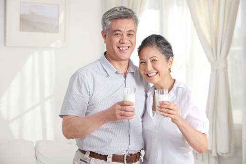 bi-quyet-chon-sua-tot-nhat-cho-nguoi-cao-tuoi11427697067